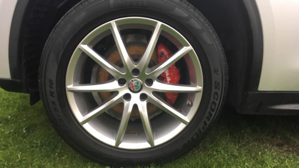 Alfa Romeo Stelvio 2.2 D 210 Speciale 5dr image 8