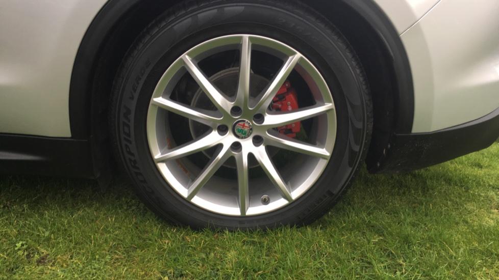 Alfa Romeo Stelvio 2.2 D 210 Speciale 5dr image 9