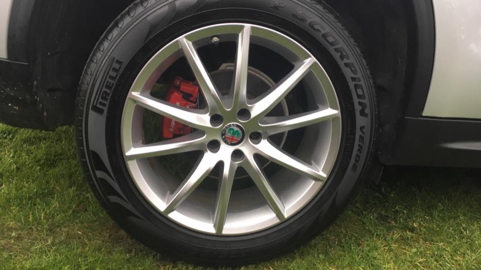 Alfa Romeo Stelvio 2.2 D 210 Speciale 5dr image 11