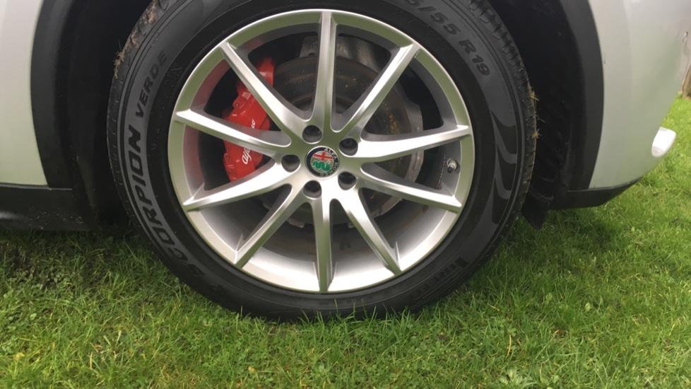 Alfa Romeo Stelvio 2.2 D 210 Speciale 5dr image 13