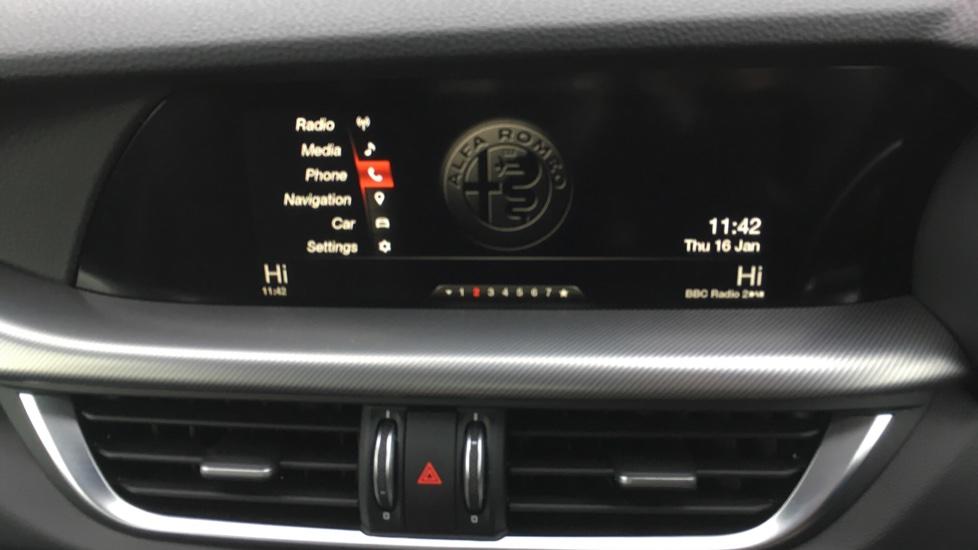 Alfa Romeo Stelvio 2.2 D 210 Speciale 5dr image 17