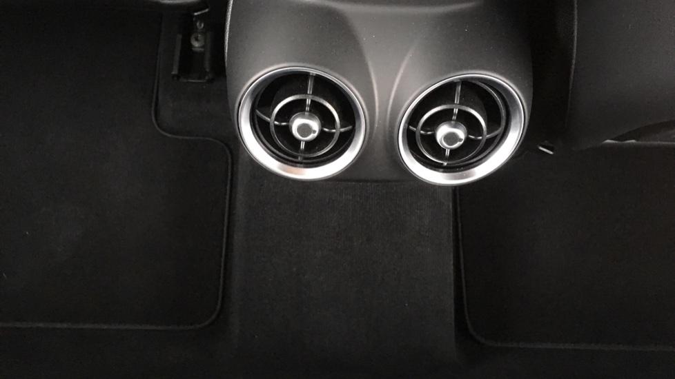 Alfa Romeo Stelvio 2.2 D 210 Speciale 5dr image 30
