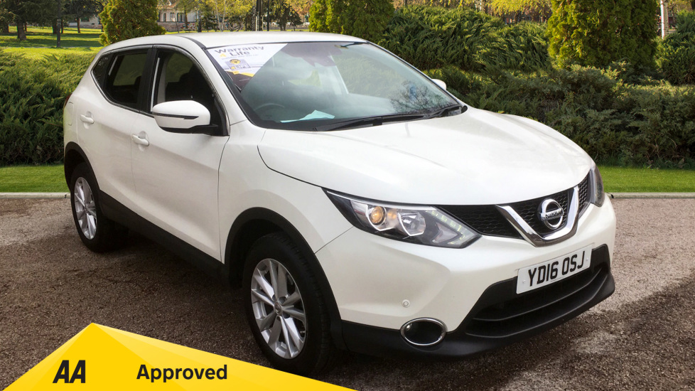 Nissan Qashqai 1.5 dCi Acenta [Smart Vision Pack] 5dr with Front and Rear Park Assist Diesel Hatchback (2016) image