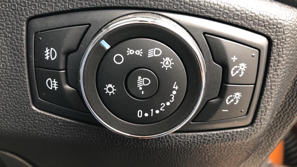 Ford EcoSport 1.0 EcoBoost 125 ST-Line 5dr - Reverse Camera, Satellite Navigation & Cross Traffic Alert image 15