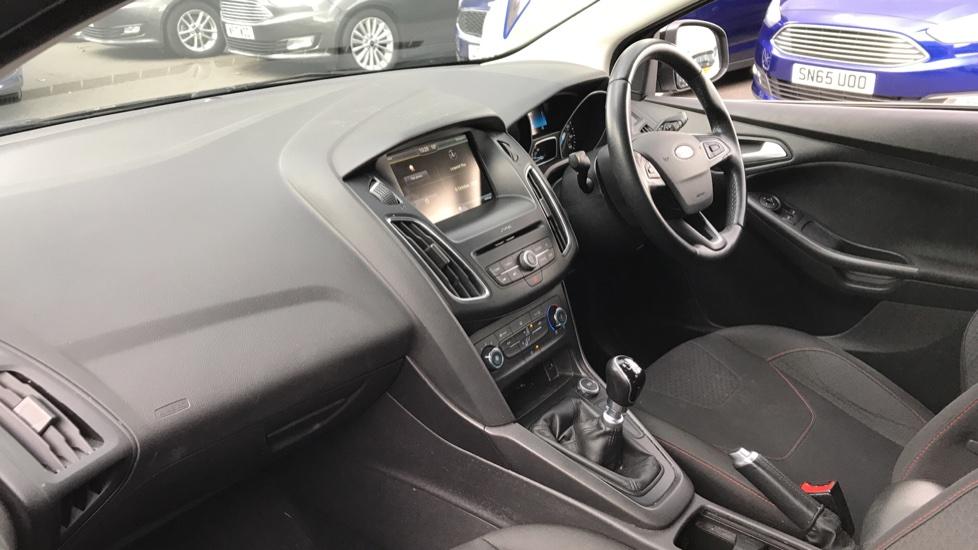 Ford Focus 1.5 TDCi 120 Zetec S 5dr image 13