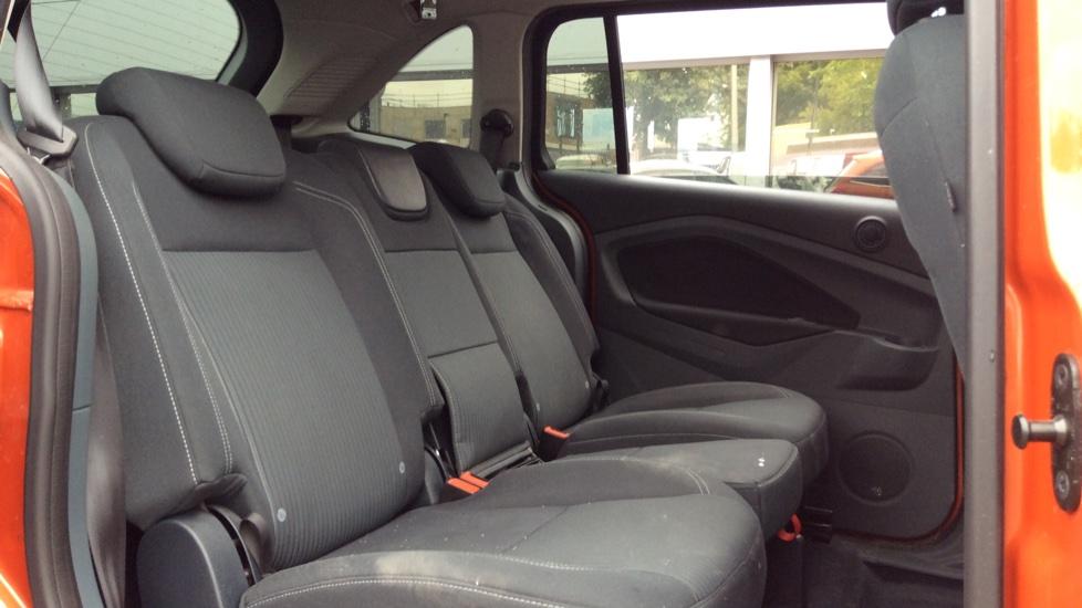 Ford Grand C-MAX 2.0 TDCi Titanium 5dr Powershift image 9