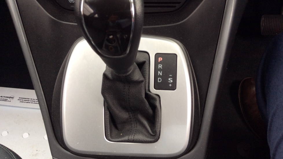Ford Grand C-MAX 2.0 TDCi Titanium 5dr Powershift image 17