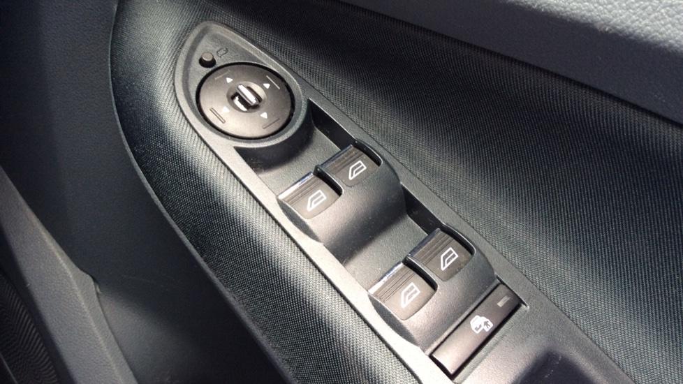Ford Grand C-MAX 2.0 TDCi Titanium 5dr Powershift image 20
