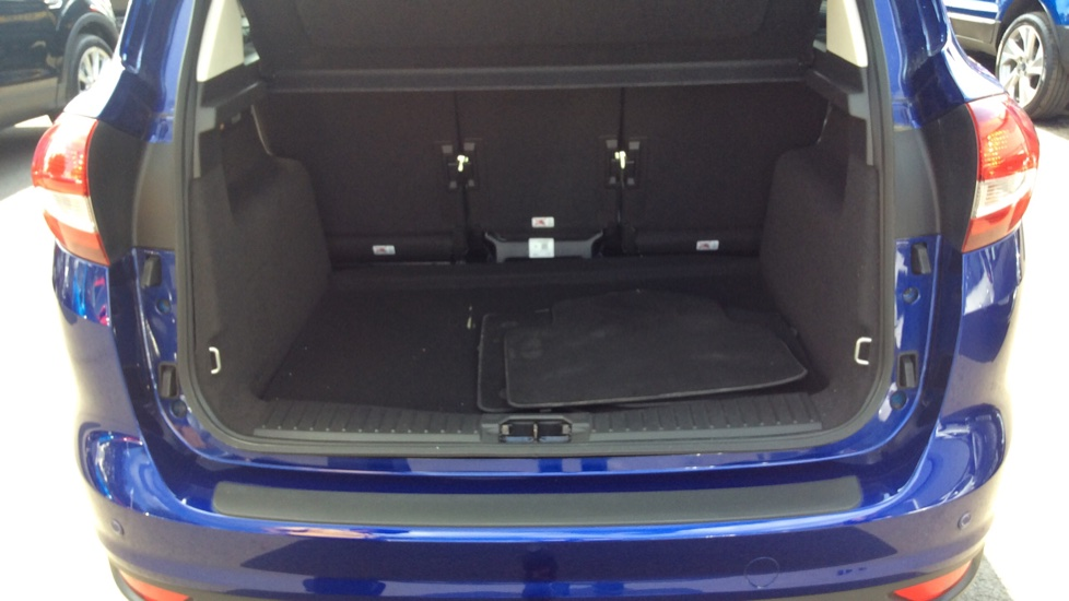 Ford C-MAX 1.5 TDCi Titanium X 5dr Powershift image 10