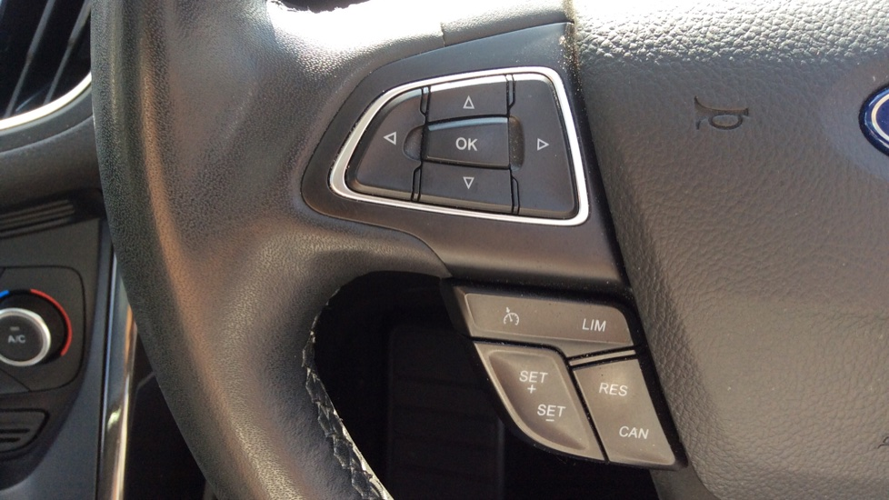 Ford C-MAX 1.5 TDCi Titanium X 5dr Powershift image 18