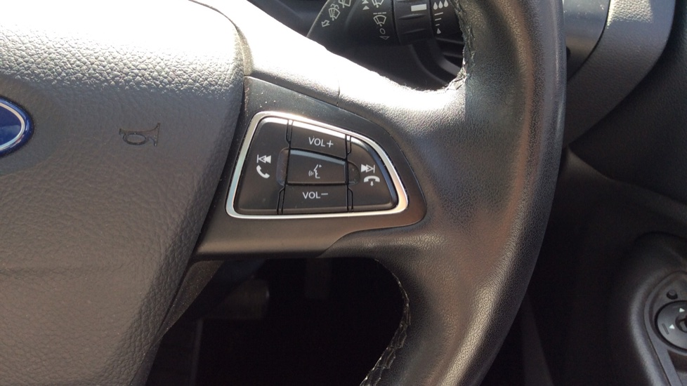 Ford C-MAX 1.5 TDCi Titanium X 5dr Powershift image 19