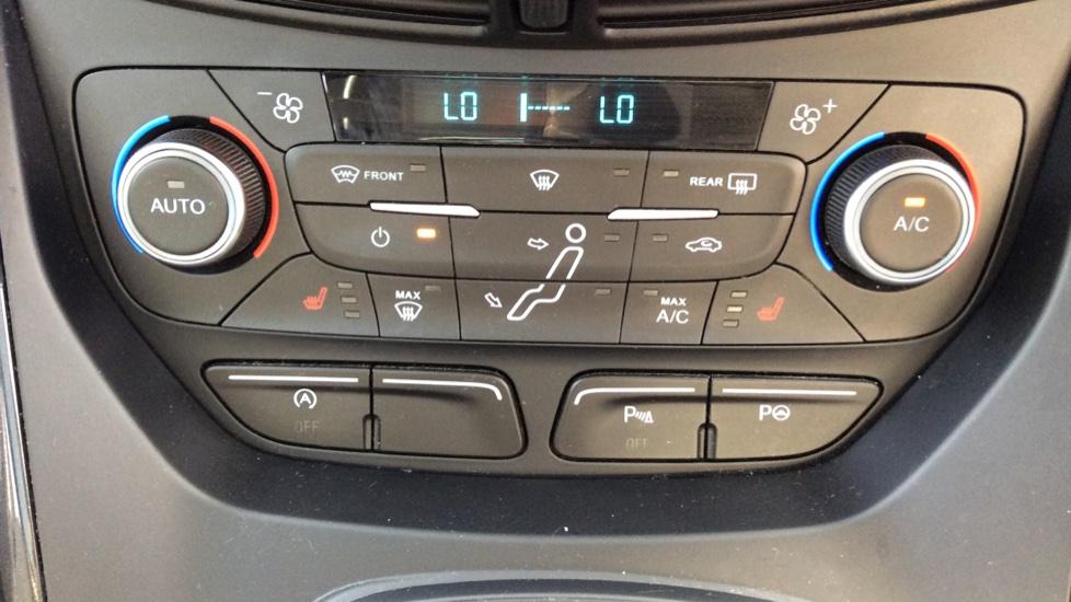 Ford C-MAX 1.5 TDCi Titanium X 5dr Powershift image 16