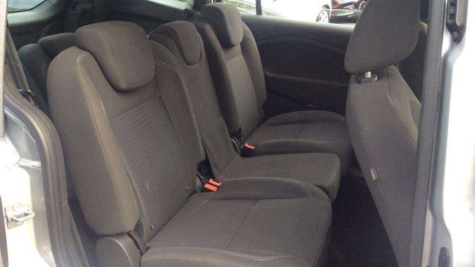 Ford Grand C-MAX 1.5 TDCi Zetec 5dr image 9