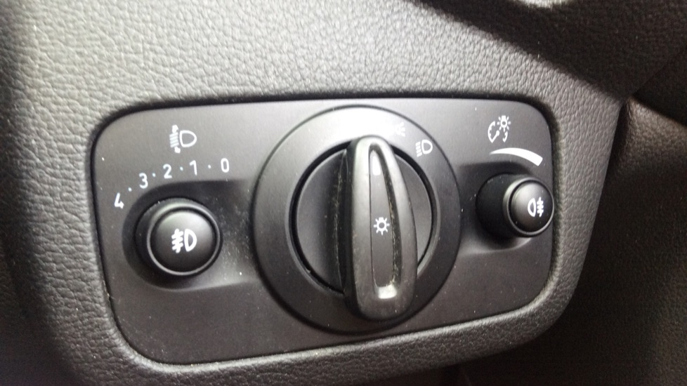 Ford Grand C-MAX 1.5 TDCi Zetec 5dr image 22