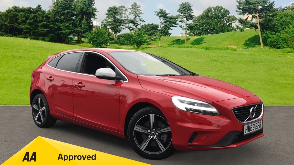 Volvo V40 T3 152ps R DESIGN Edition Geartronic, Leather Upholstery, Xenon Headlamps 1.5 Automatic 5 door Hatchback (2019) image