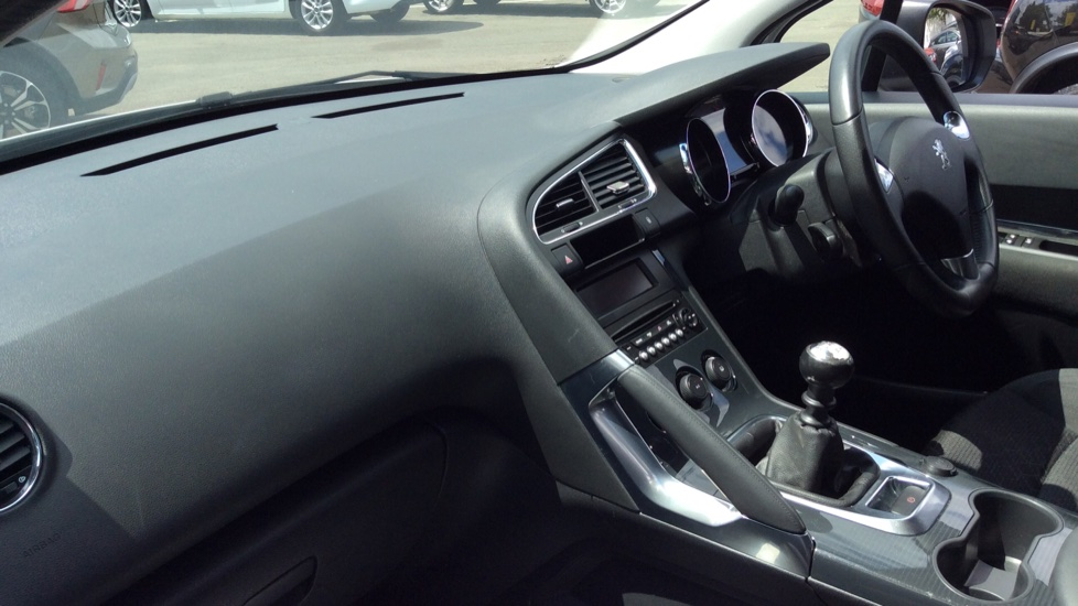 Peugeot 3008 1.6 HDi Active 5dr image 13