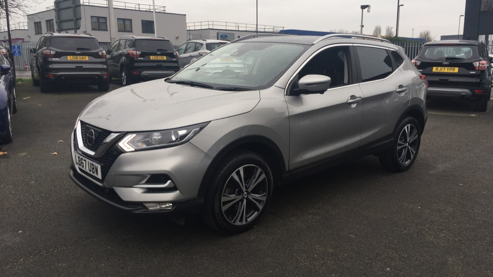 Nissan Qashqai 1.2 DiG-T N-Connecta 5dr Glass Roof Pack image 3