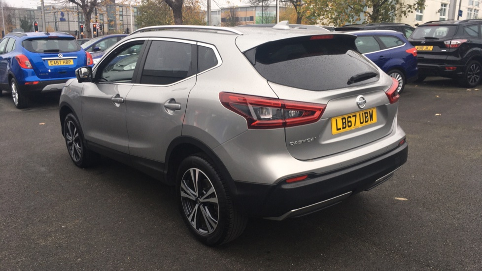 Nissan Qashqai 1.2 DiG-T N-Connecta 5dr Glass Roof Pack image 7
