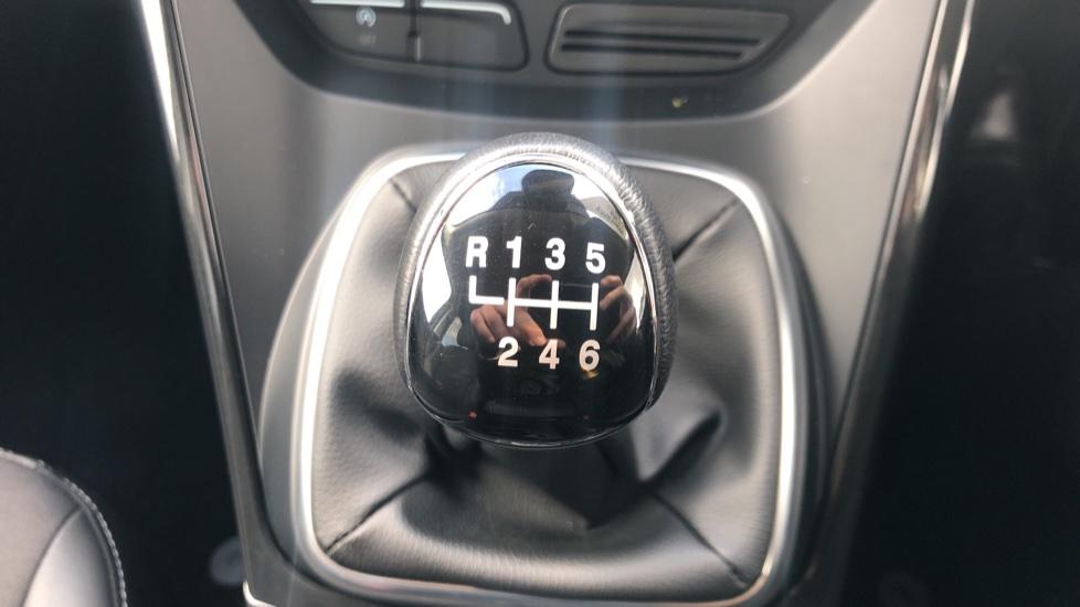 Ford Kuga 2.0 TDCi Titanium Edition 2WD image 17