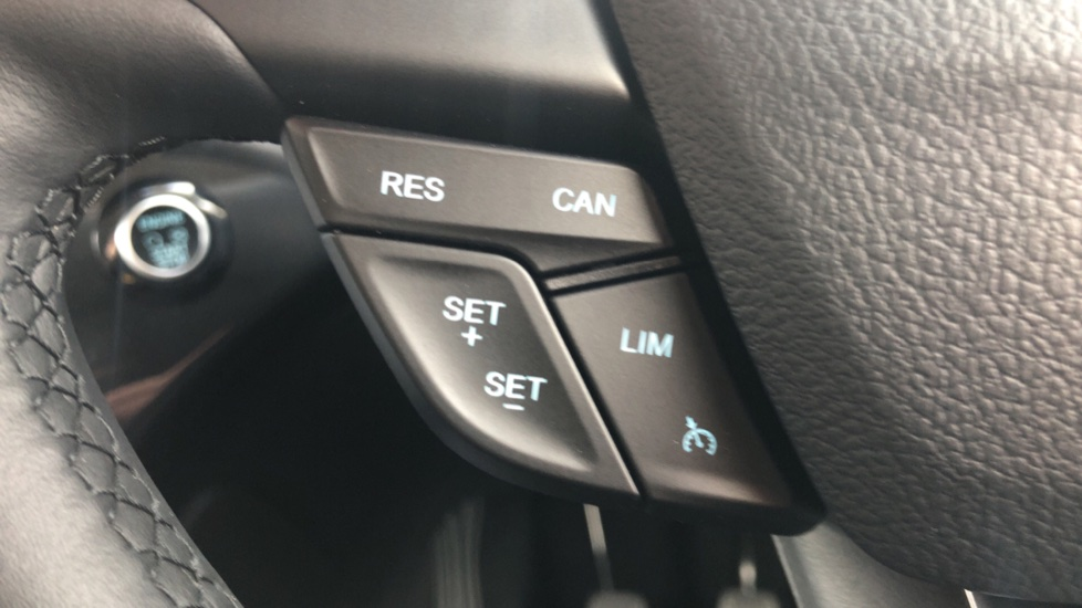 Ford Kuga 2.0 TDCi Titanium Edition 2WD image 21