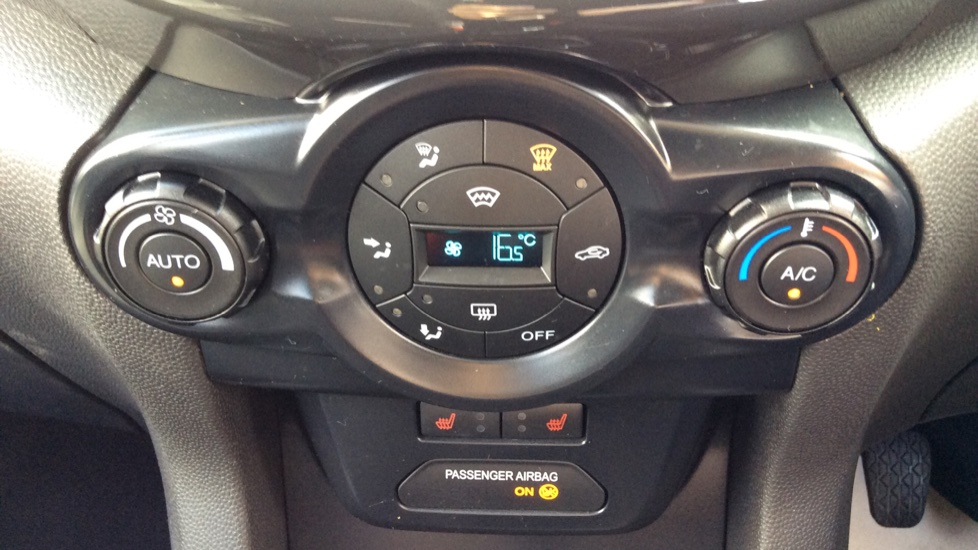 Ford EcoSport Titanium 1.0 EcoBoost 125PS image 15 thumbnail