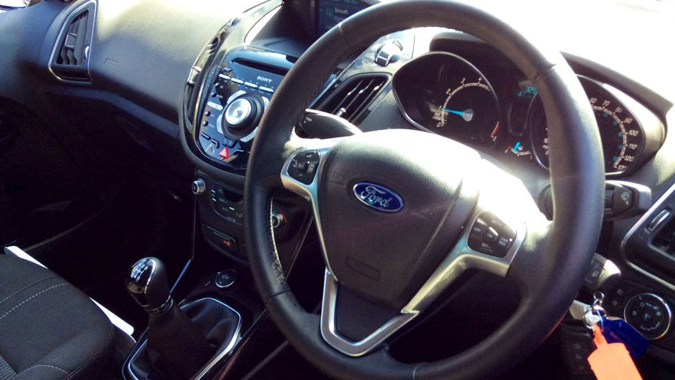 Ford B-MAX 1.0 EcoBoost 125ps Titanium Navigator 5dr image 3