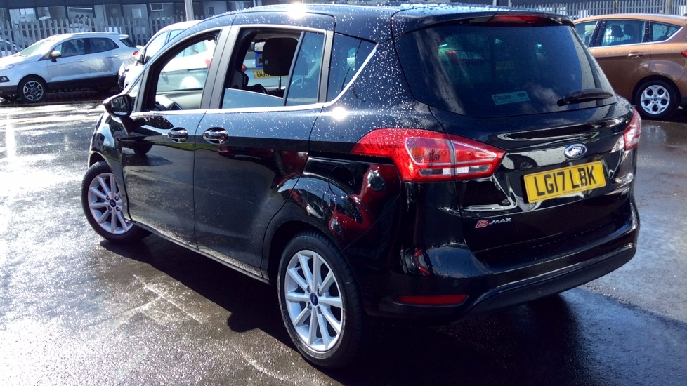 Ford B-MAX 1.0 EcoBoost 125ps Titanium Navigator 5dr image 6