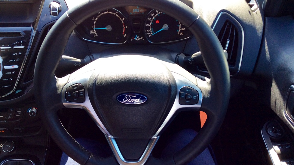 Ford B-MAX 1.0 EcoBoost 125ps Titanium Navigator 5dr image 26