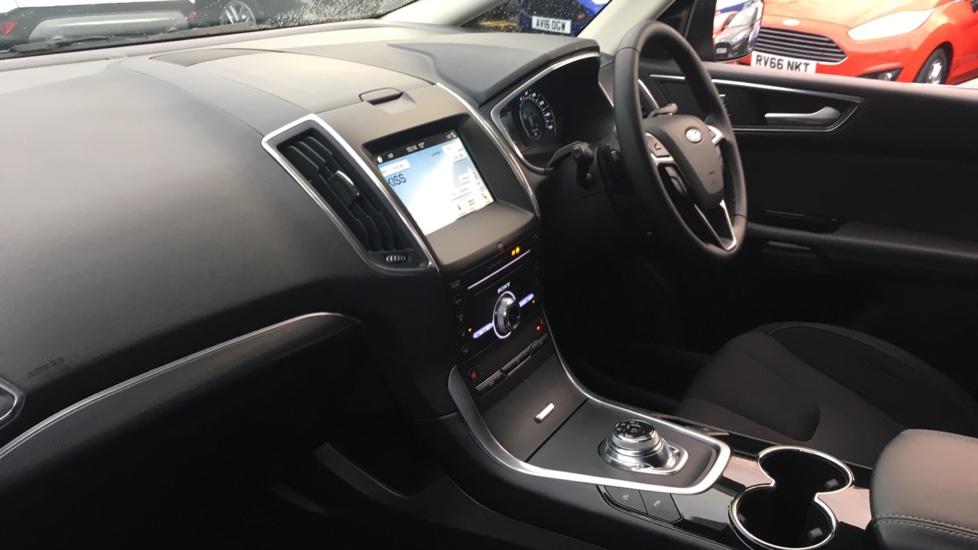 Ford S-MAX 2.0 EcoBlue 150 Titanium 5dr [8 Speed] image 13