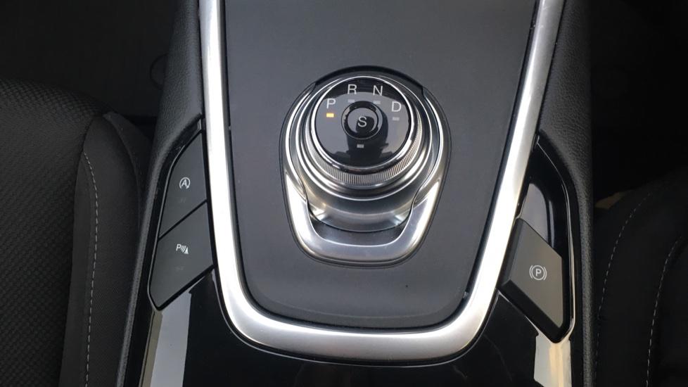 Ford S-MAX 2.0 EcoBlue 150 Titanium 5dr [8 Speed] image 17