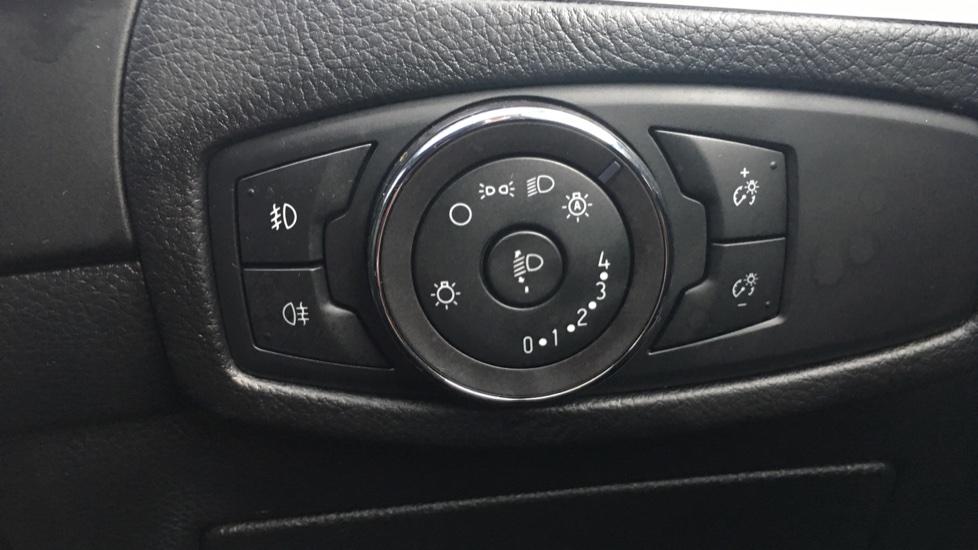 Ford S-MAX 2.0 EcoBlue 150 Titanium 5dr [8 Speed] image 21