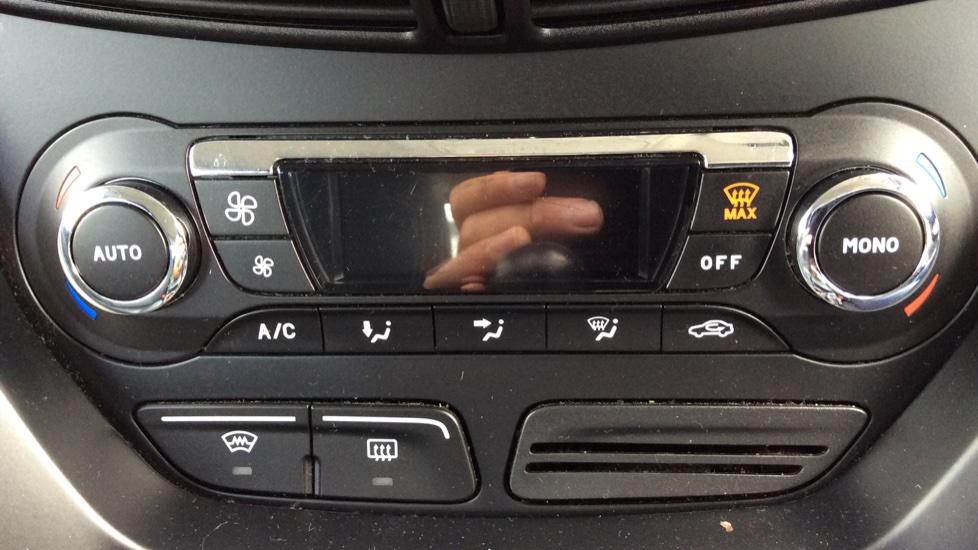 Ford Grand C-MAX 1.6 Titanium 5dr image 16