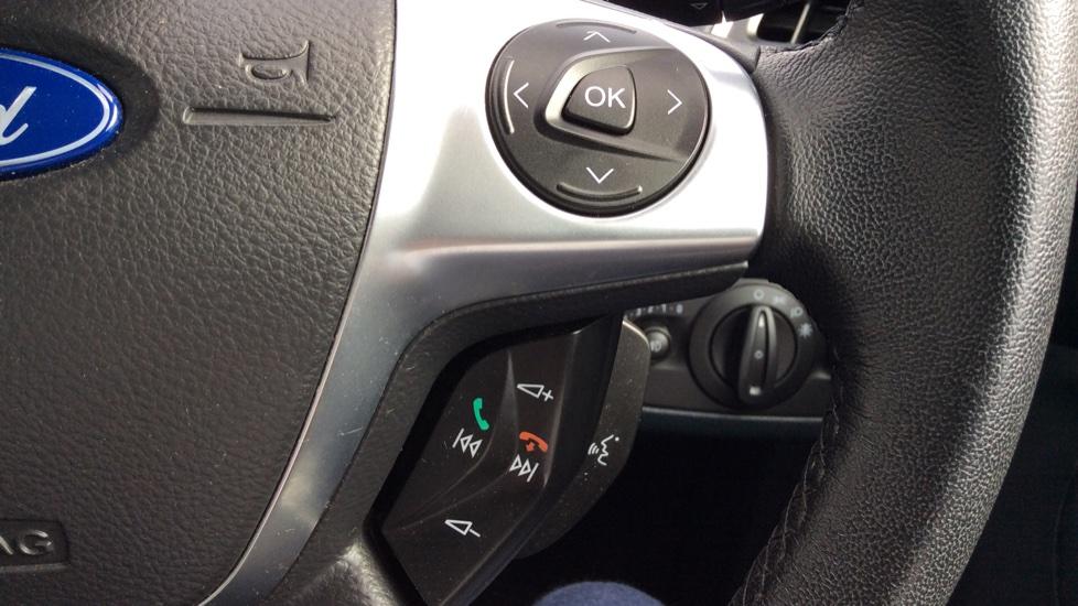 Ford Grand C-MAX 1.6 Titanium 5dr image 19