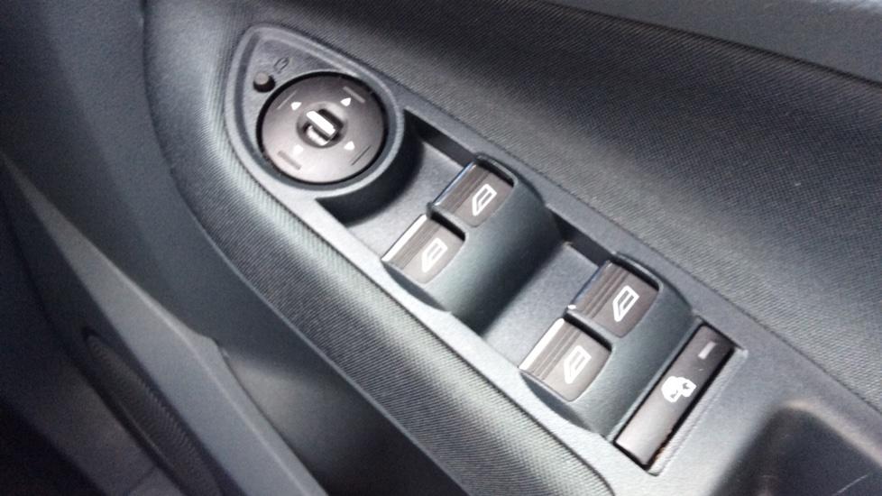Ford Grand C-MAX 1.6 Titanium 5dr image 20