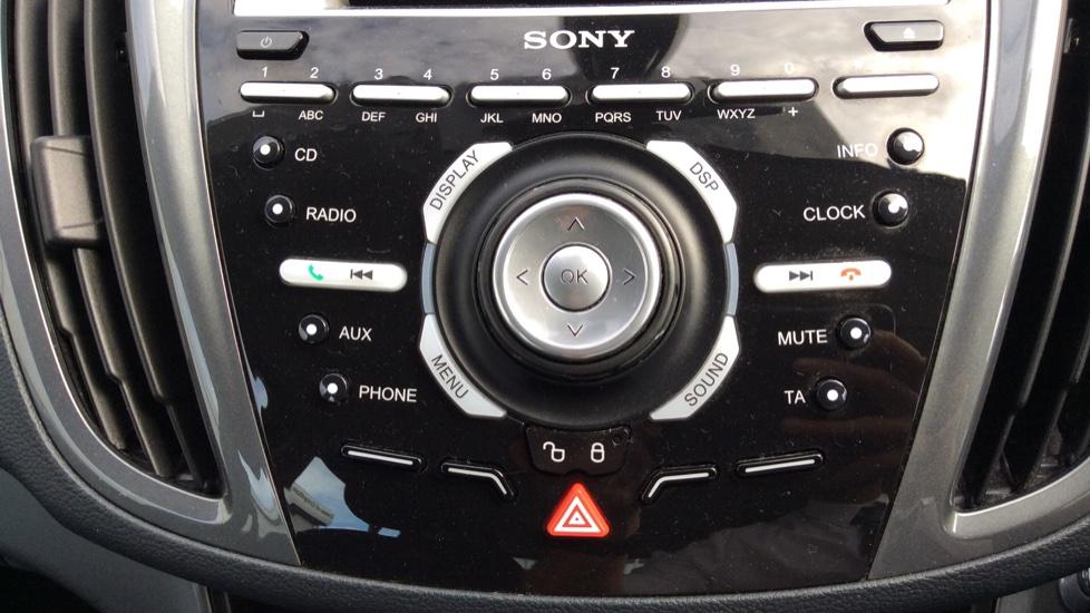 Ford Grand C-MAX 1.6 Titanium 5dr image 21