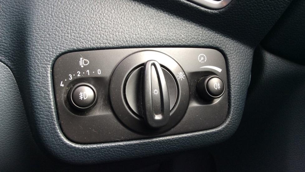 Ford Grand C-MAX 1.6 Titanium 5dr image 22