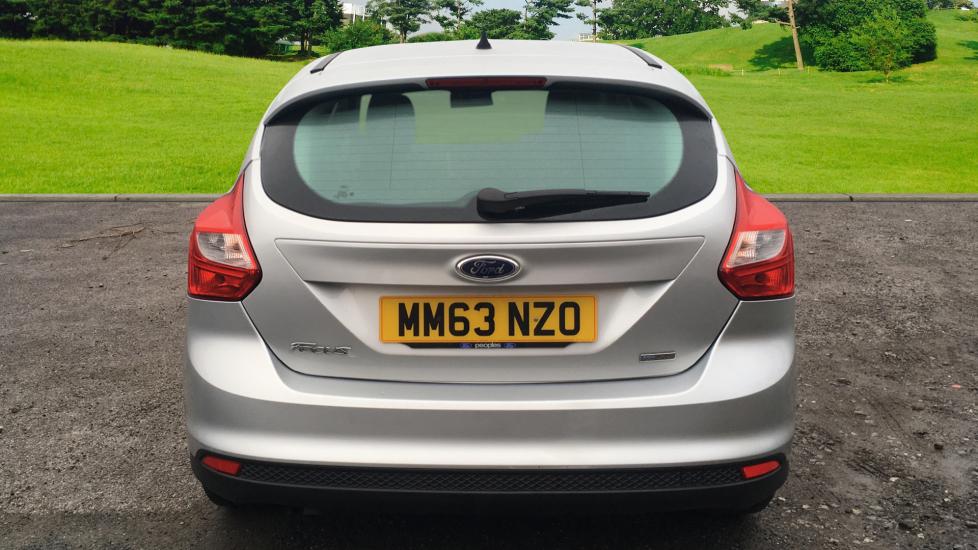 Ford Focus 1.0 EcoBoost Zetec 5dr image 6