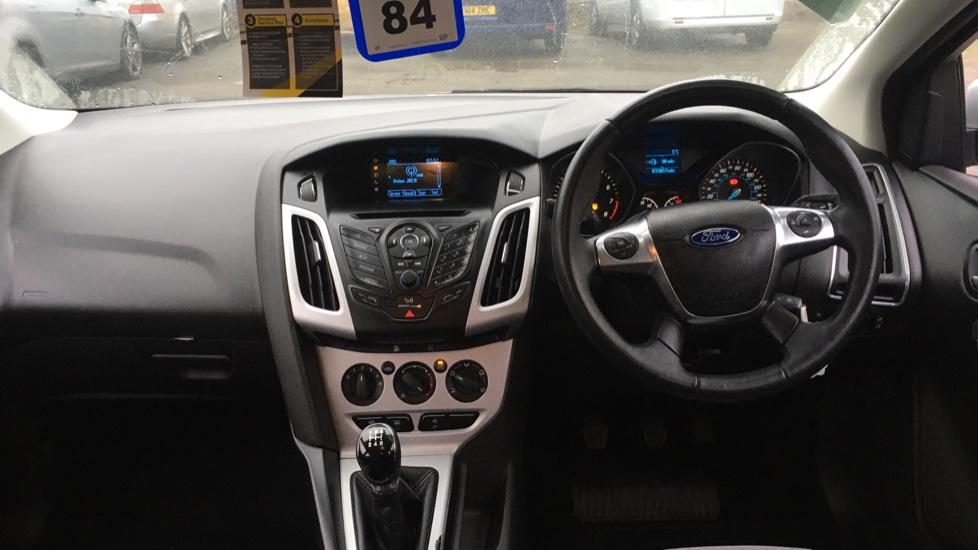 Ford Focus 1.0 EcoBoost Zetec 5dr image 11