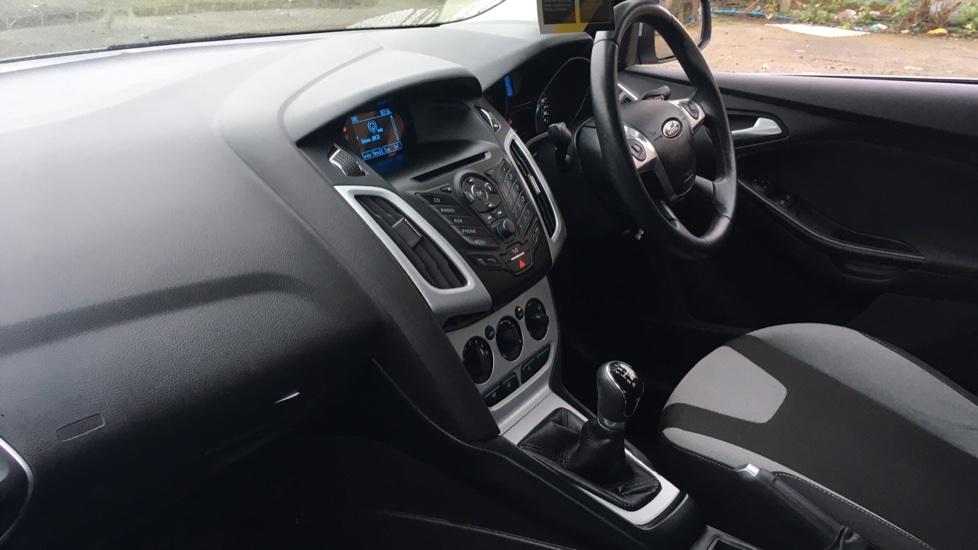 Ford Focus 1.0 EcoBoost Zetec 5dr image 13