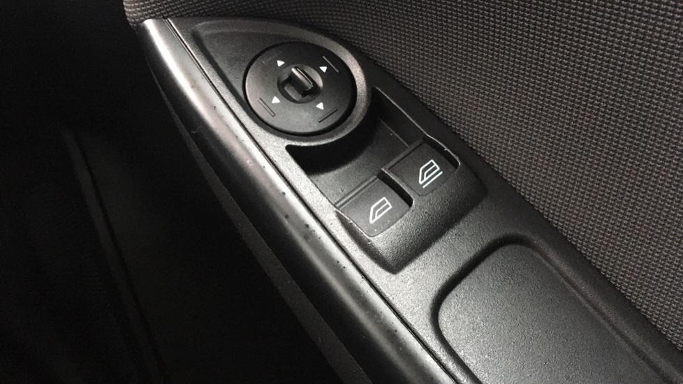 Ford Focus 1.0 EcoBoost Zetec 5dr image 20