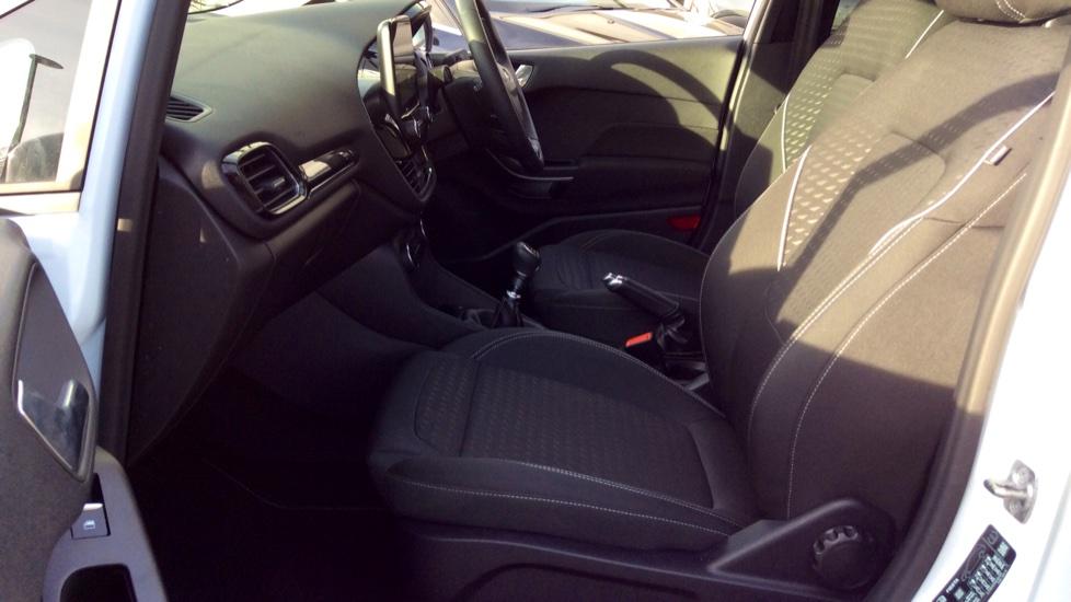 Ford Fiesta 1.0 EcoBoost Titanium 5dr image 3