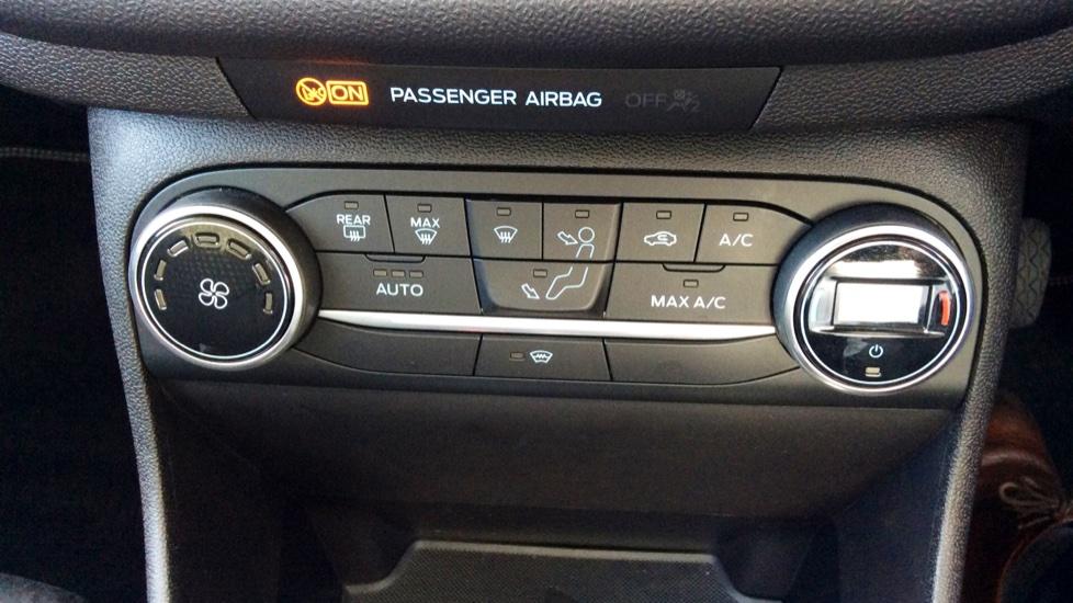 Ford Fiesta 1.0 EcoBoost Titanium 5dr image 13
