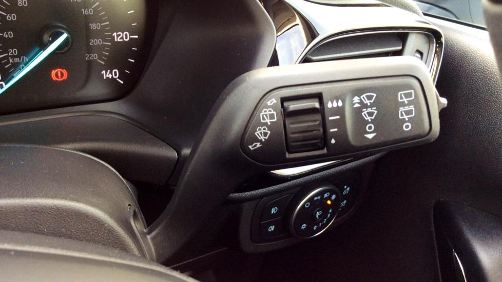 Ford Fiesta 1.0 EcoBoost Titanium 5dr image 24