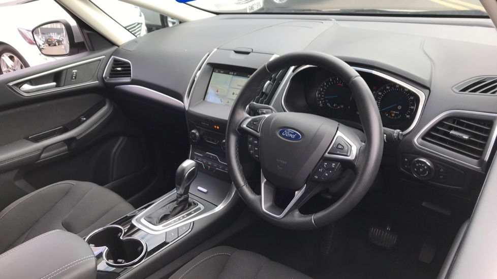 Ford S-MAX 2.0 TDCi 150ps Titanium 5dr Powershift image 12