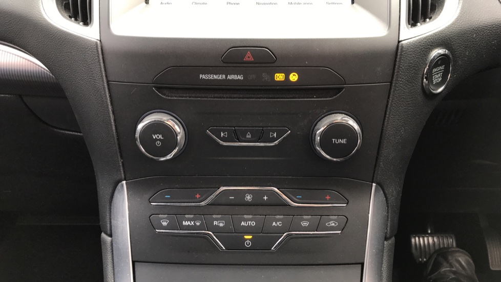 Ford S-MAX 2.0 TDCi 150ps Titanium 5dr Powershift image 16