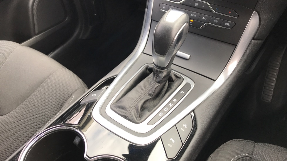 Ford S-MAX 2.0 TDCi 150ps Titanium 5dr Powershift image 17