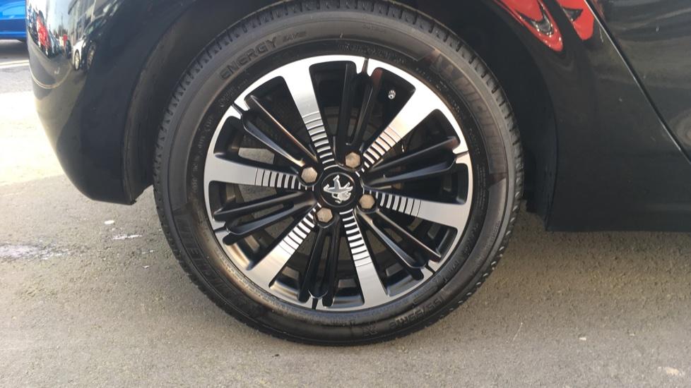 Peugeot 208 1.2 PureTech Allure Premium 5dr image 8