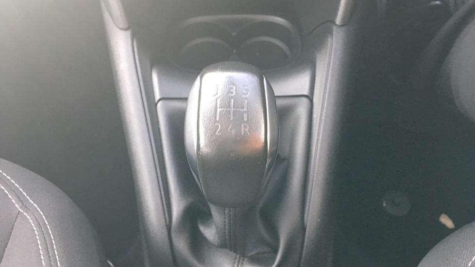 Peugeot 208 1.2 PureTech Allure Premium 5dr image 17