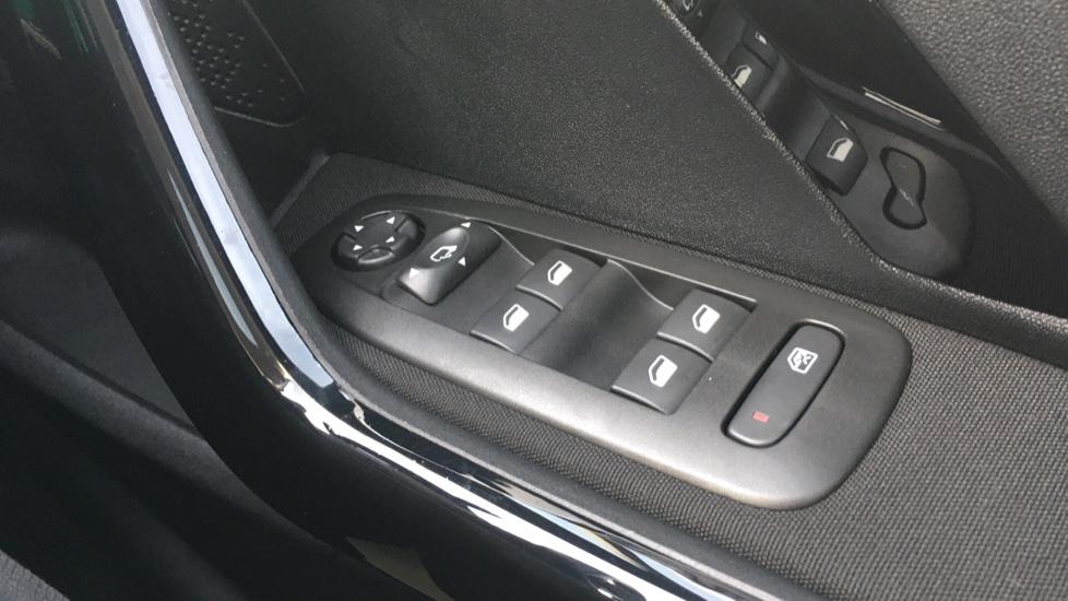 Peugeot 208 1.2 PureTech Allure Premium 5dr image 20