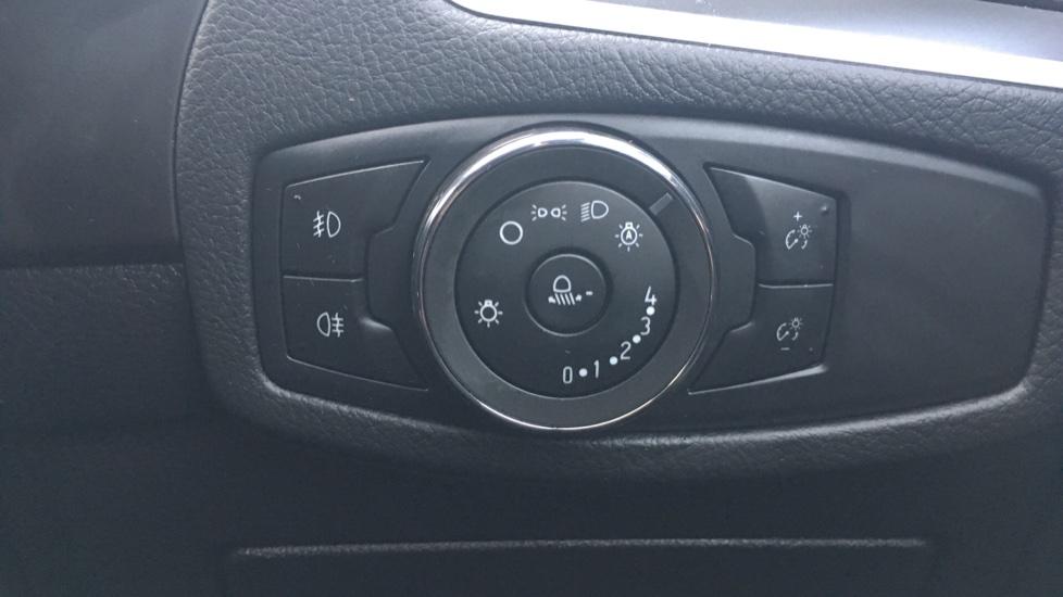 Ford S-MAX 2.0 TDCi 150 Titanium [Nav] 5dr image 21